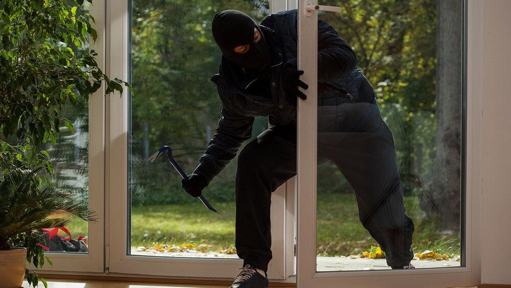 واکنش پلیس به خبر سرقت از منزل آزیتا ترکاشوند