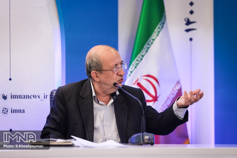 توسعه مترو کلانشهرها به نفع دولت است/ ایدههای مردم اصفهان را به پروژه شهری تبدیل میکنیم