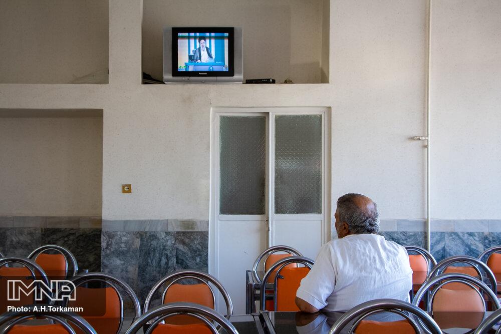 تماشای سومین مناظره انتخابات ریاست جمهوری در استانها