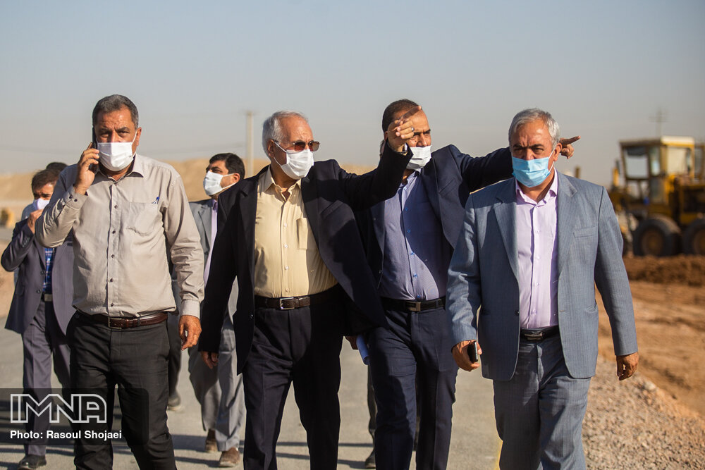 بازدید شهردار اصفهان از محل پروژه حلقه چهارم حفاظتی