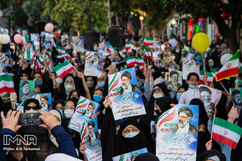 نیکزاد: ستادهای مردمی از اعلام پیروزی پیش از اعلام رسمی خودداری کنند
