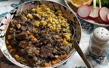 طرز تهیه و آموزش مرحله به مرحله پخت خورشت اسپناساک با اسفناج + نکات کلیدی خورشت سنتی شمالی
