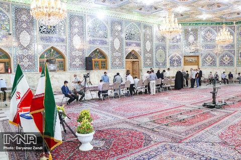 حضور مردم در حسینیه رضوی