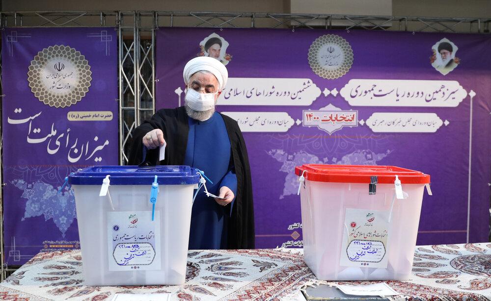 رئیس جمهور رای خود را به صندوق انداخت