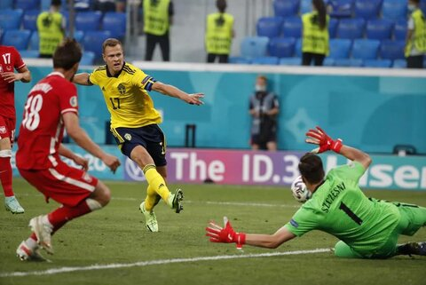 سوئد ۳- لهستان ۲/ صدرنشینی دراماتیک در آخرین ثانیه