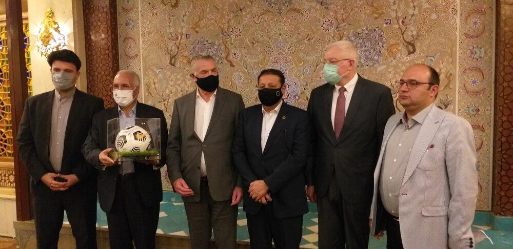 ضیافت شهردار اصفهان با مدیرعامل باشگاه زنیت سنت پترزبورگ + عکس