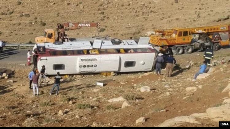 دستور ویژه فرمانده ناجا در مورد رسیدگی به علل دو حادثه رانندگی در آذربایجان غربی و یزد
