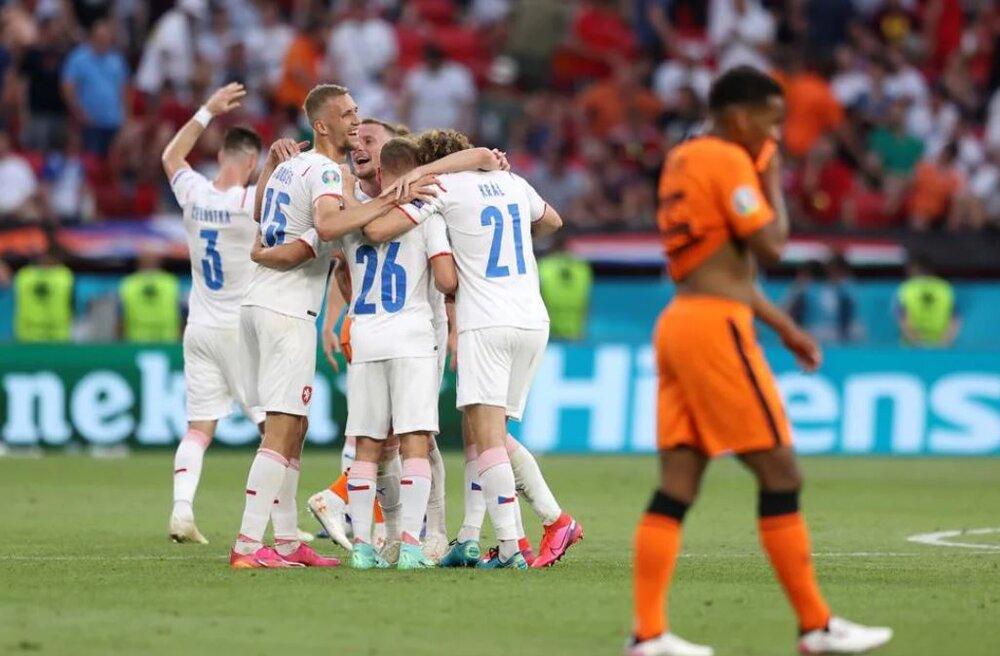 هلند صفر- جمهوری چک ۲/ اولین شگفتی جام با حذف نارنجی مدعی