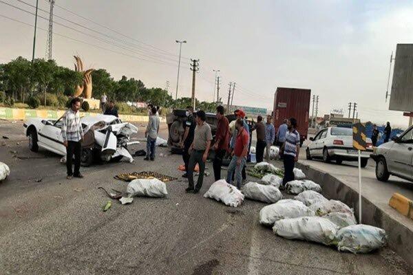 تصادف زنجیرهای با ۱۴ کشته و زخمی