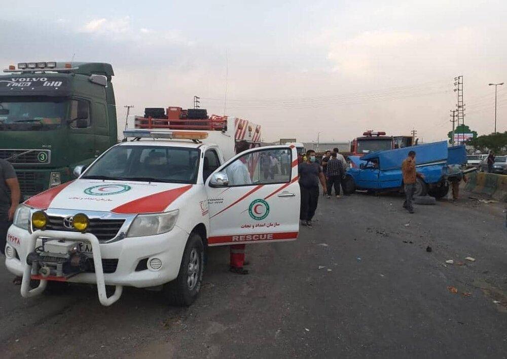تصادف زنجیرهای در جاده تهران- قم ۱۱ مصدوم داشت
