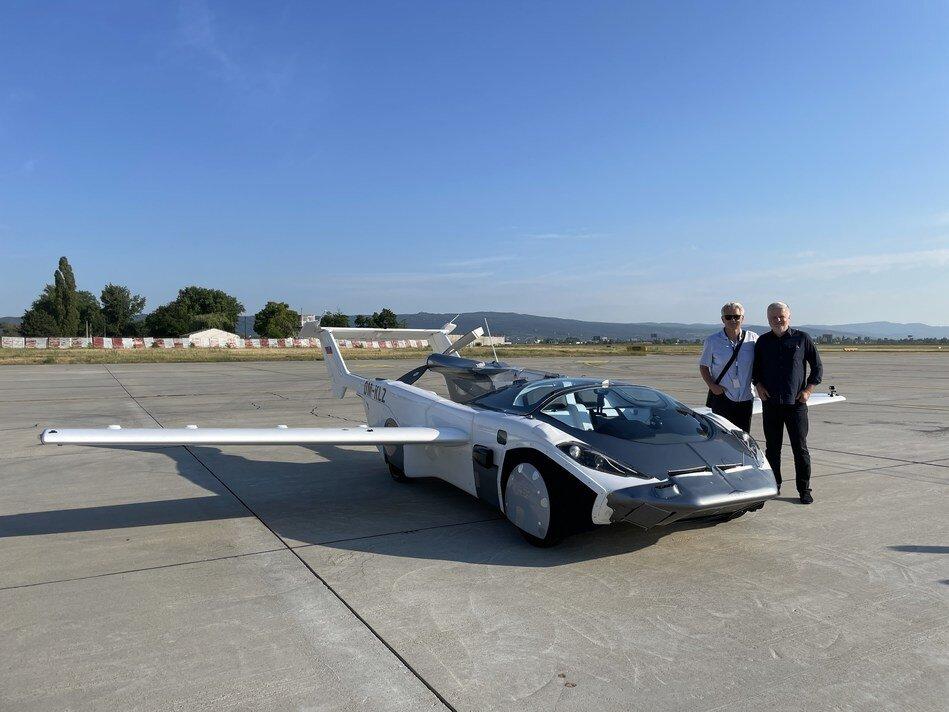 رونمایی اولین ماشین پرنده برای حمل و نقل هوایی در اسلواکی + فیلم