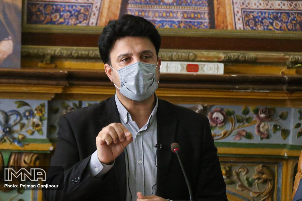 توسعه اصفهان باید براساس ظرفیتهای صنایع دستی و گردشگری باشد