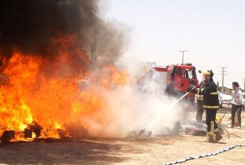آتشسوزی شدید یک واحد تجاری در بازار ساحلی آستارا