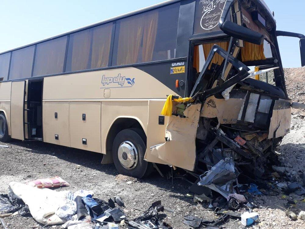تصادف زنجیرهای مرگبار در آزادراه نطنز-کاشان+ عکس