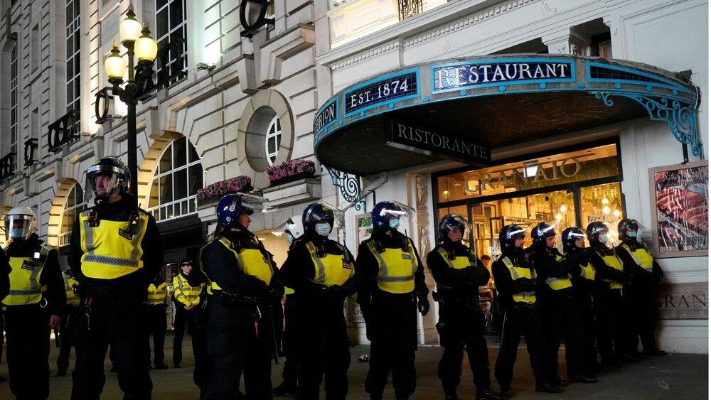دستگیری ۲۰ نفر در جنجال پس از بازی انگلیس و دانمارک