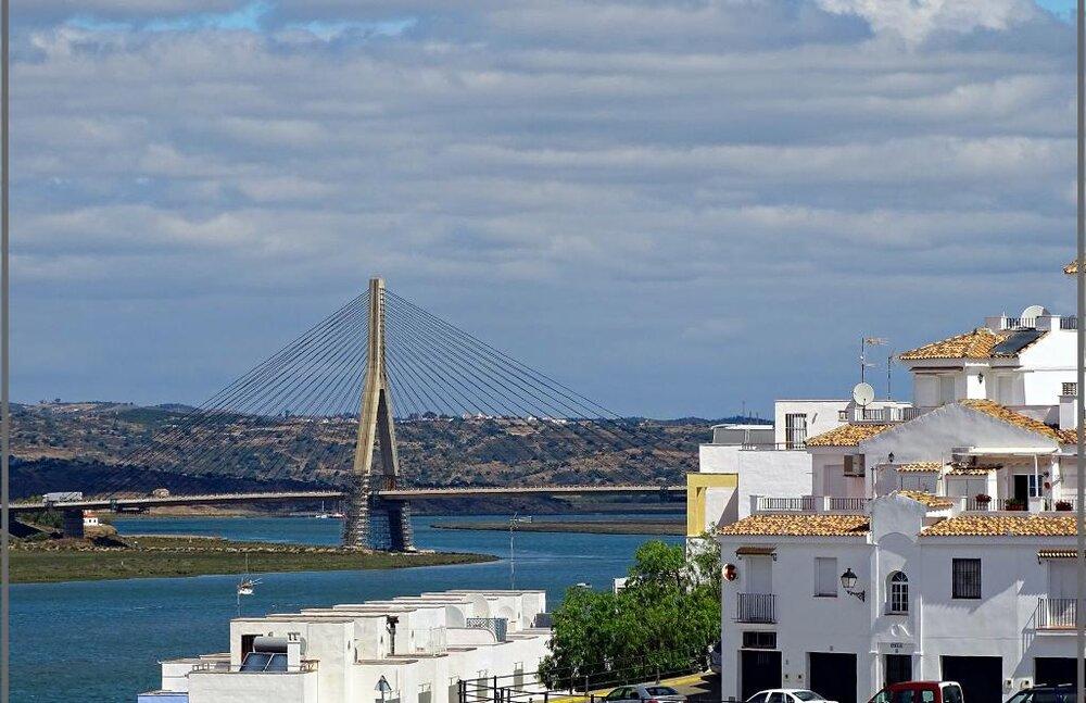 بازسازی پل اتصال بین اسپانیا و پرتغال+ فیلم