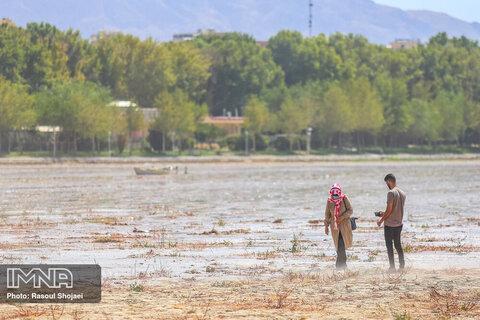 Zayandehrud River rests in homeland
