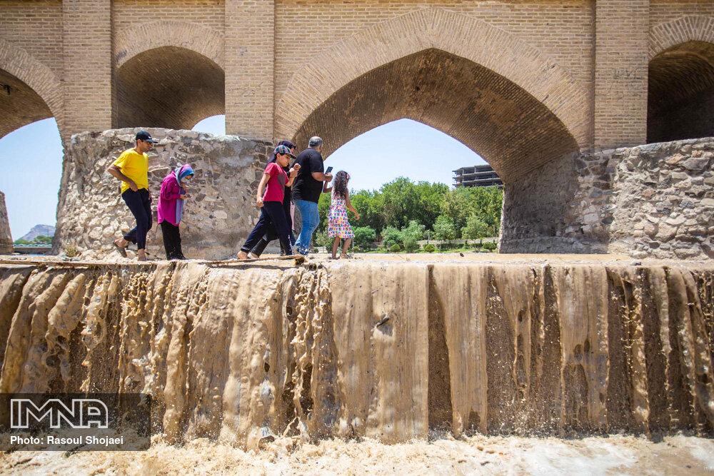 ۶۰ میلیون مترمکعب آب برای کشاورزان اصفهان رهاسازی میشود