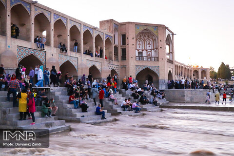 Isfahan delighted to have Zayanderud at home