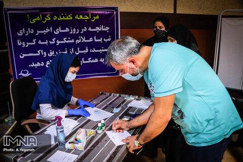شرط خروج کشور از پیک پنجم/واکسیناسیون سرعت میگیرد