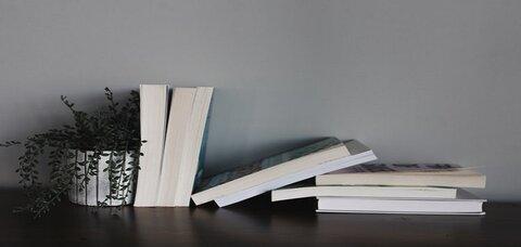 ۴+۱ کتاب ایرانی مشهور از گذشته تا کنون