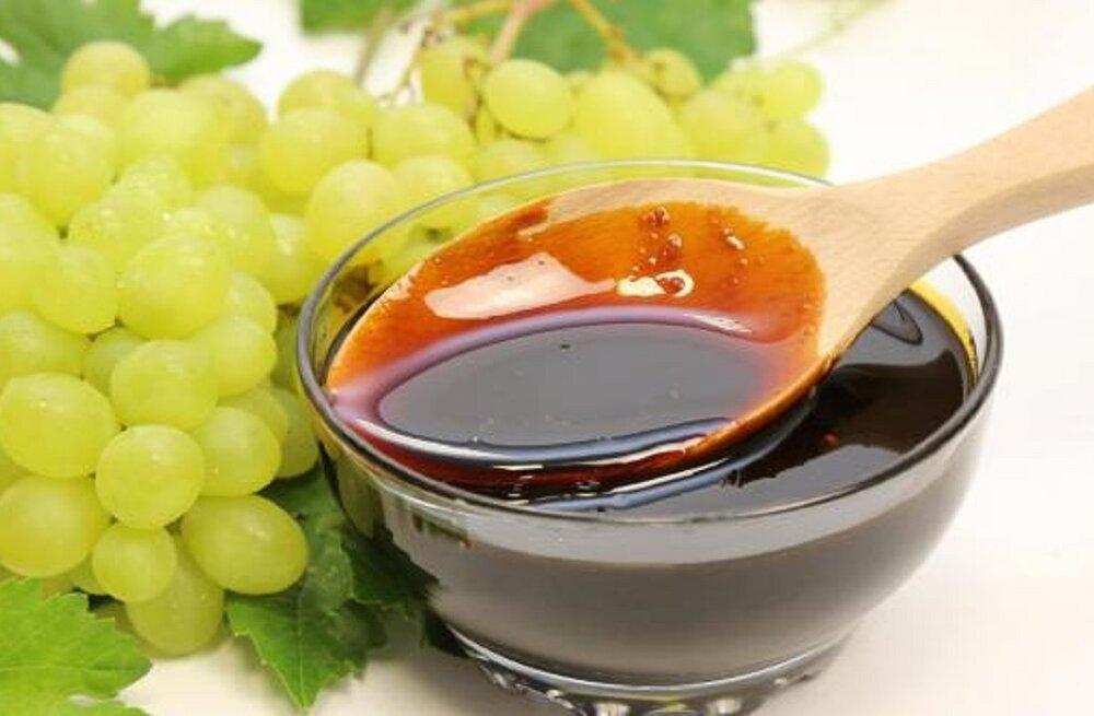 طرز تهیه شیره انگور خانگی به روش سنتی + نکات و روشهای مصرف