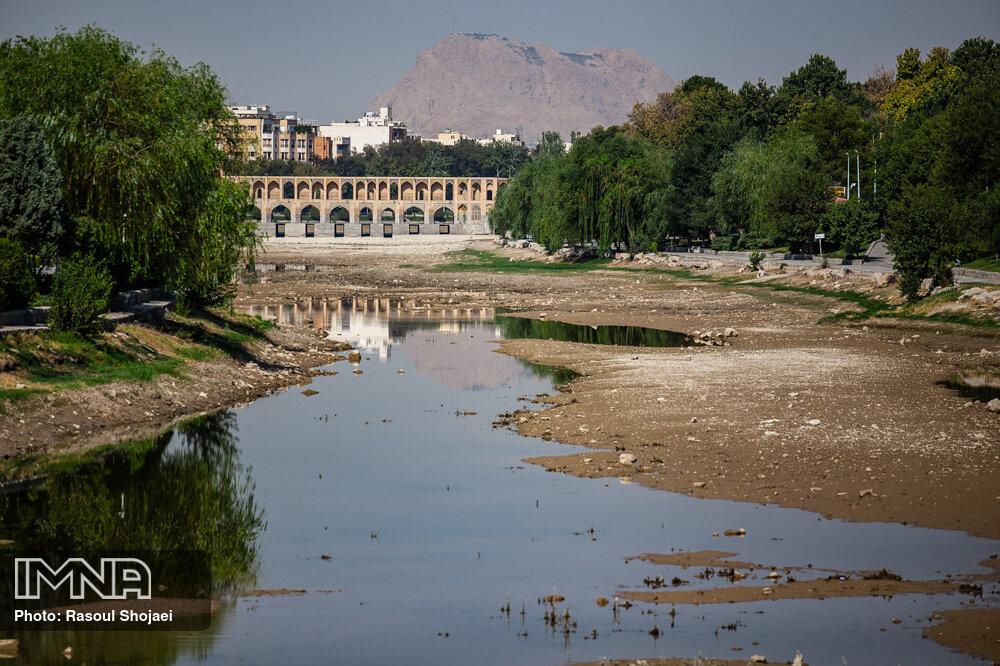 اصفهان آب خوزستان و هیچ استان دیگری را نمیخواهد/ حقآبه تاریخی خود را مطالبه میکنیم