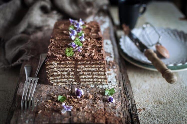 طرز تهیه کیک یخچالی و هات چاکلت خانگی + نکات کلیدی و آموزش مرحله به مرحله کیک رژیمی