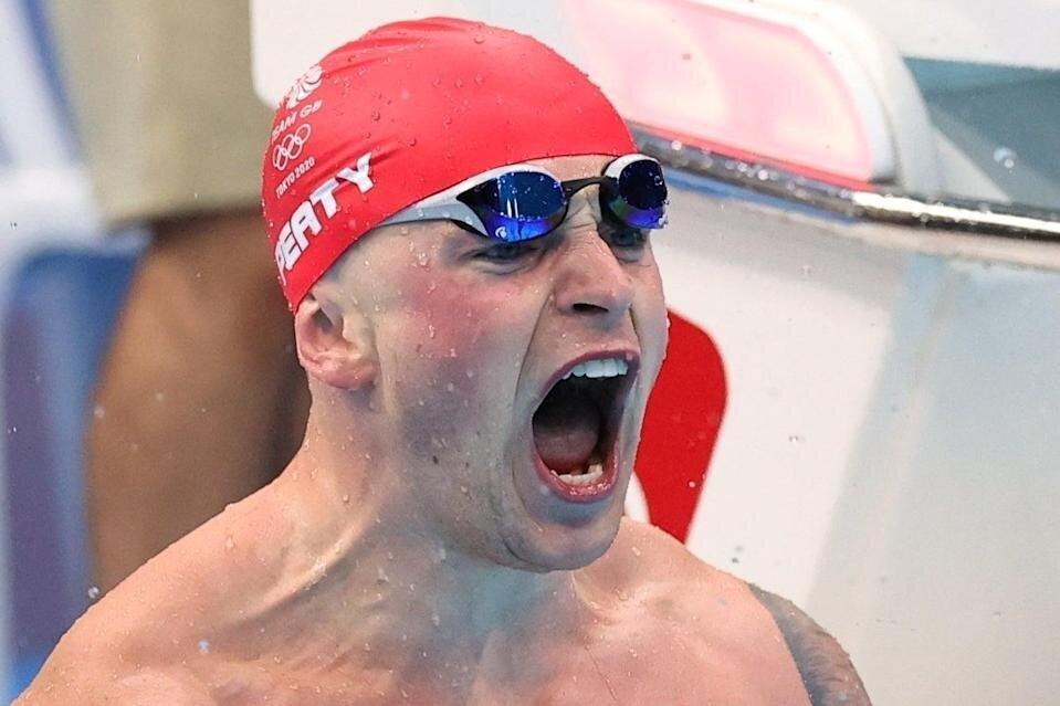 طلای ۱۰۰ متر قورباغه باز هم به آدام پیتی رسید