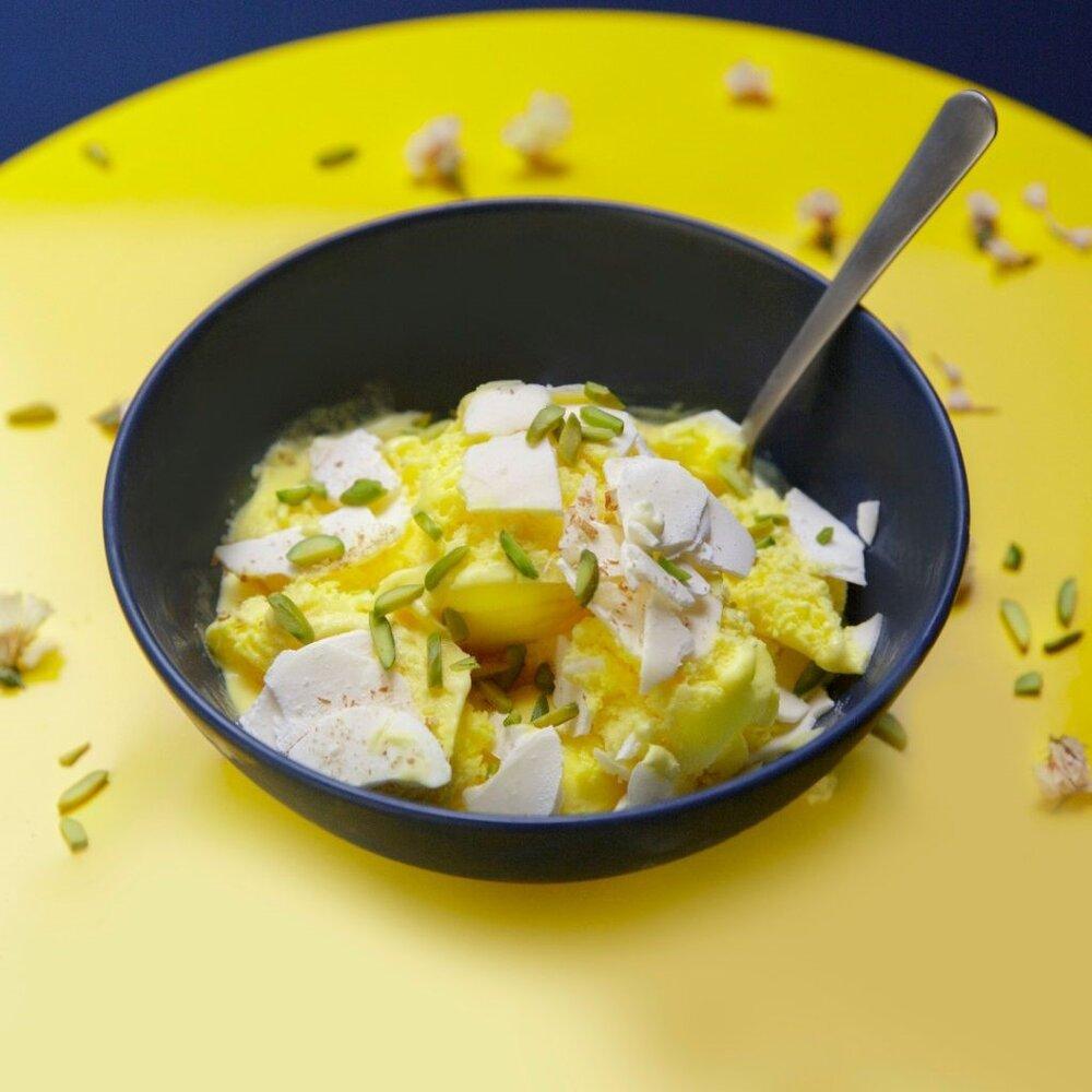 طرز تهیه بستنی سنتی زعفرانی + نکات کلیدی ،فواید و آموزش مرحله به مرحله تهیه بستنی سنتی