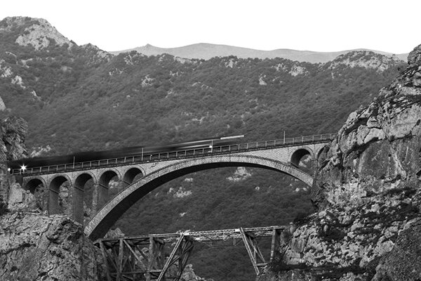 """""""راه آهن سراسری"""" و """"اورامانات"""" دو میراث جهانی ایران"""
