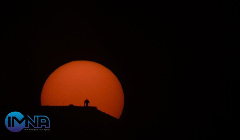 امشب در آسمان، مقارنه خارجی سیاره عطارد را ببینید