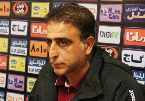 همین که ذوب آهن در جدول ماند برایمان بس بود/ در جریان مذاکرات مجتبی حسینی با باشگاه نیستم