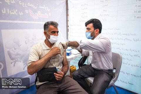 آغاز واکسیناسیون رانندگان تاکسی پلاک ت اصفهان از امروز