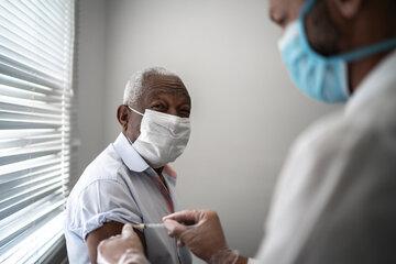فرانسه خدمات تلفنی برای دریافت واکسن را ارتقا میبخشد