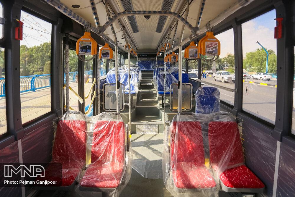 طرح بازسازی اتوبوسهای درون شهری همدان آغاز شد