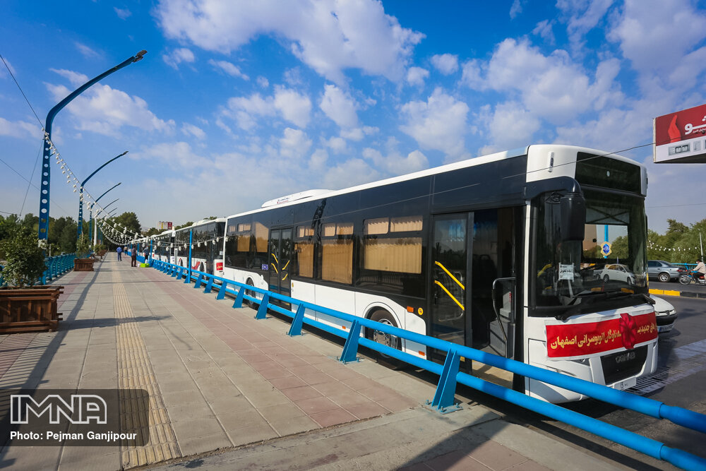 آماده سازی ۱۰ دستگاه اتوبوس برای انجام واکسیناسیون سیار