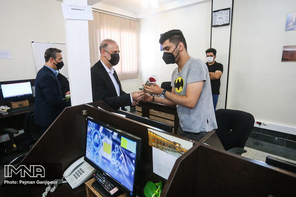 بازدید مدیر کل امور مالیاتی استان اصفهان از مجتمع فرهنگی مطبوعاتی