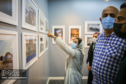 """نمایشگاه عکس """"نیمه پنهان"""""""