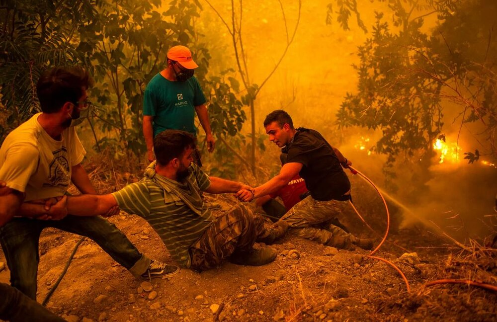 Greece fires in pictures