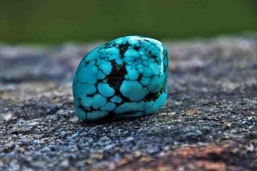 خواص سنگ فیروزه اصل + انواع، طرز نگهداری و عکس