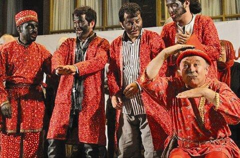 جشنواره نمایش های آئینی سنتی به تعویق افتاد