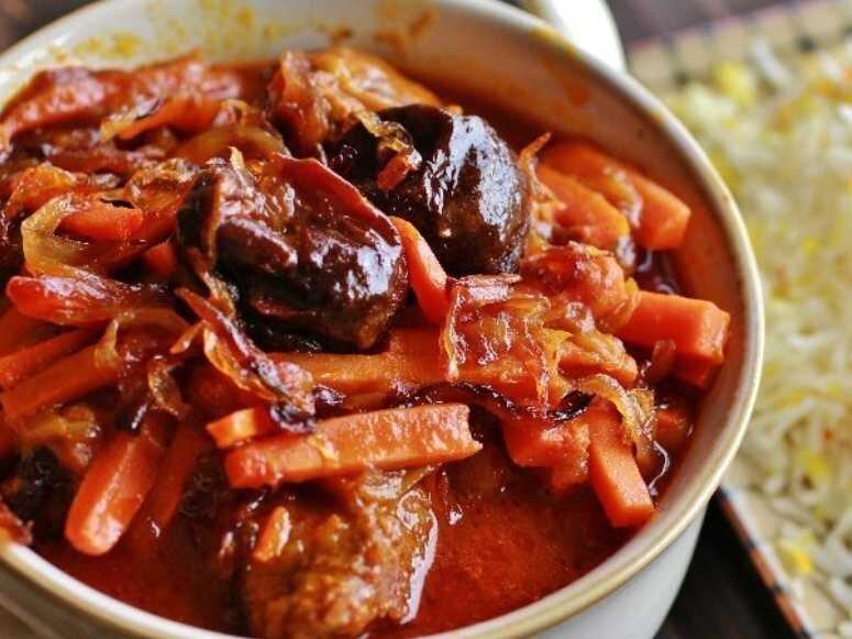 طرز تهیه چلو خورش هویج تبریزی + نکات کلیدی و آموزش پخت خورشت هویج با گوشت و آلو