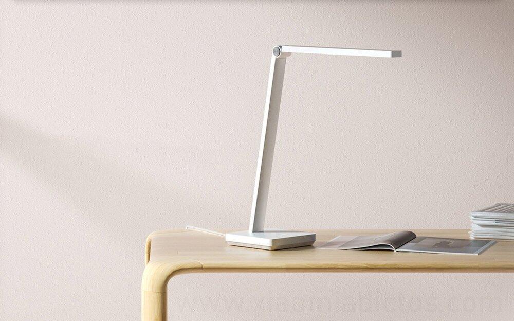 چراغ رومیزی هوشمند شیائومی MIJIA Lite چه ویژگیهایی دارد؟