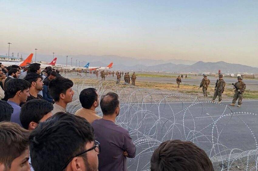 ضربالاجل خروج نظامیان خارجی از افغانستان تمدید نمیشود