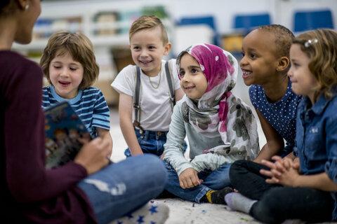 تهیه لوازم رایگان مدرسه برای دانشآموزان محروم جمهوری چک