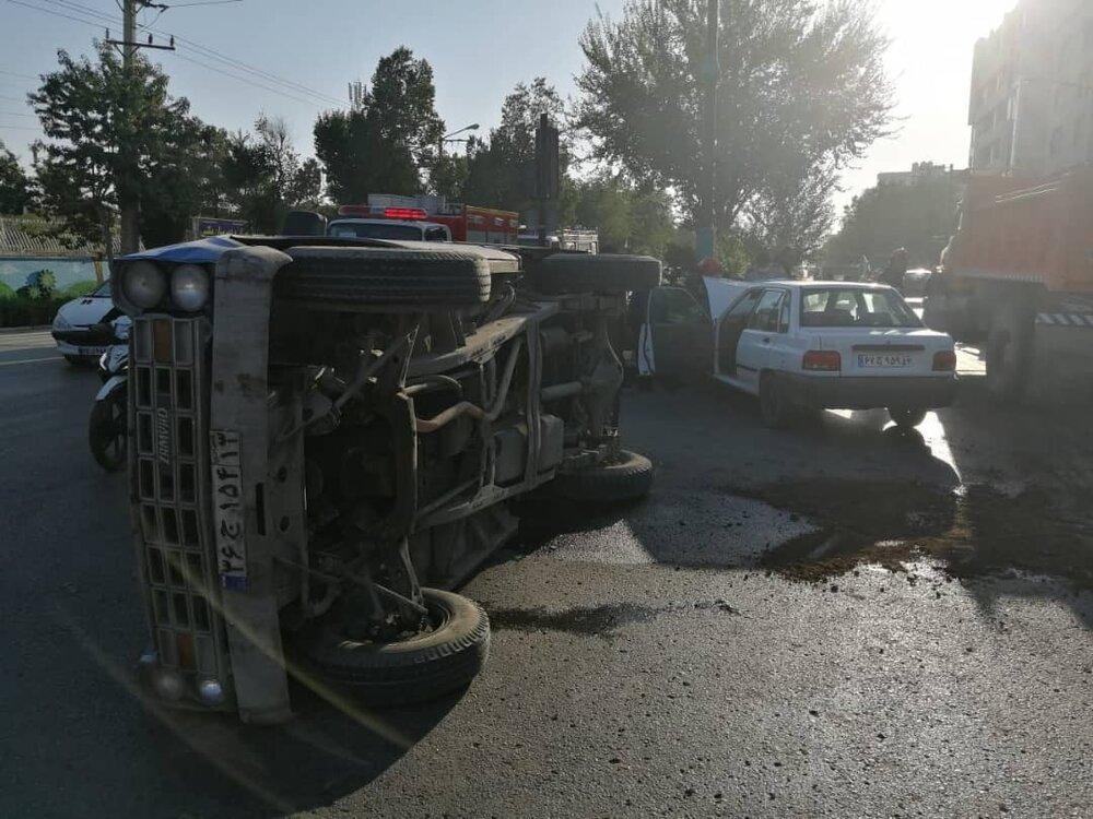 تصادف پراید و نیسان در خیابان جابرانصاری+عکس