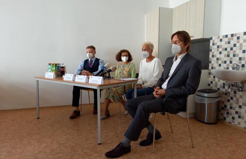 چک میزبان مراکز درمانی جدید برای بیماران کرونایی در نقاهت