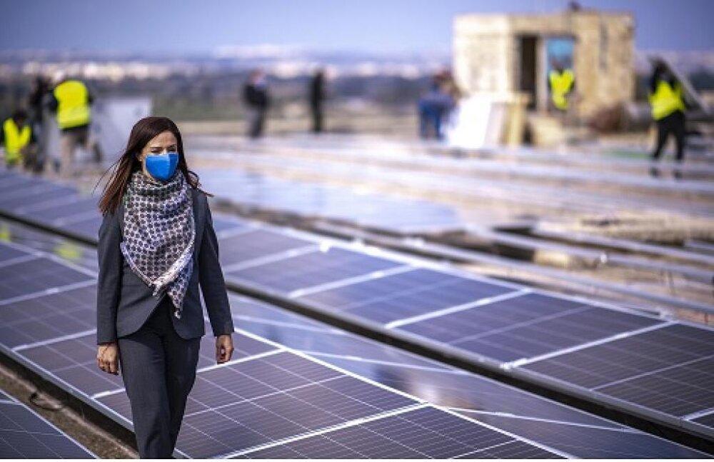 تبدیل بام سازههای متروکه به مزارع خورشیدی