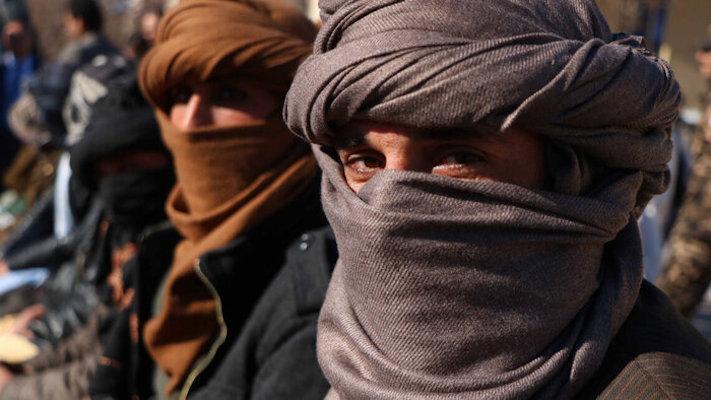 طالبان: شناسنامهها و گذرنامههای توزیع شده معتبر است